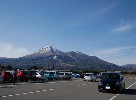道の駅猪苗代の駐車場から見た磐梯山!ででででかい!!