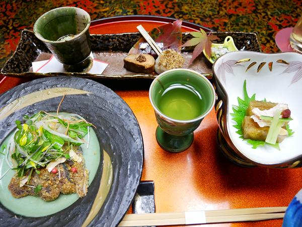 千曲乃湯しげの家 きのこ会席 食前酒・先附・向附・前菜:目にも美しいけど味も素晴らしい